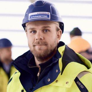 Jesper Jonasson, platschef för Strängbetong på StockholmLightHouse
