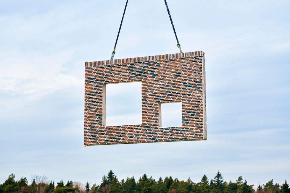 Fasadelement från Strängbetong till Hägerneholmsskolan med sin särskilda fönstersättning.