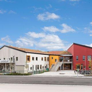 Elmeskolan i Älmhult där Strängbetong har levererat betongstommen som är certifierat enligt Passivhus.